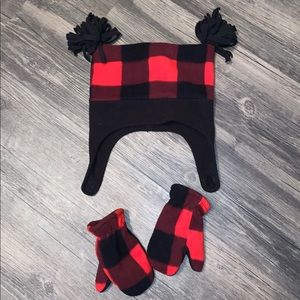 Red & Black checkered fleece hat and mittens